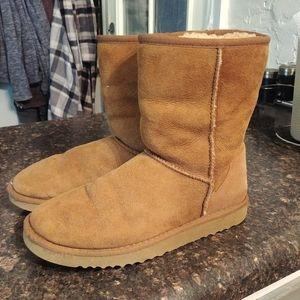 Ugg classic short boots sz 7
